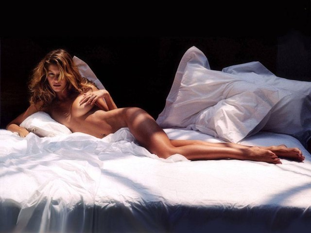 Gisele Bundchen between the sheets - Gisele Bundchen between the sheets - , Gisele, Bundchen, between, the, sheets - Play puzzles with Gisele Bundchen between the sheets or send Gisele Bundchen between the sheets puzzle ecards to your friends </td><td valign=