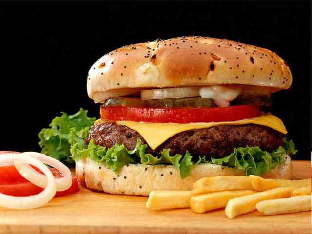 Hamburger - A tasty hamburger - , tasty, hamburger, food - Play puzzles with Hamburger or send Hamburger puzzle ecards to your friends </td><td valign=