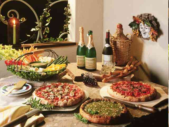 Pizza and Wine - Pizza and Wine - what more to ask? - , Pizza, Wine, food, drink - Play puzzles with Pizza and Wine or send Pizza and Wine puzzle ecards to your friends </td><td valign=