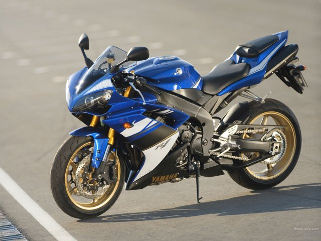 Yamaha YZR R1 - Yamaha YZR R1 motorbike - , Yamaha, YZR, R1, motorbike, motorcycle - Play puzzles with Yamaha YZR R1 or send Yamaha YZR R1 puzzle ecards to your friends </td><td valign=