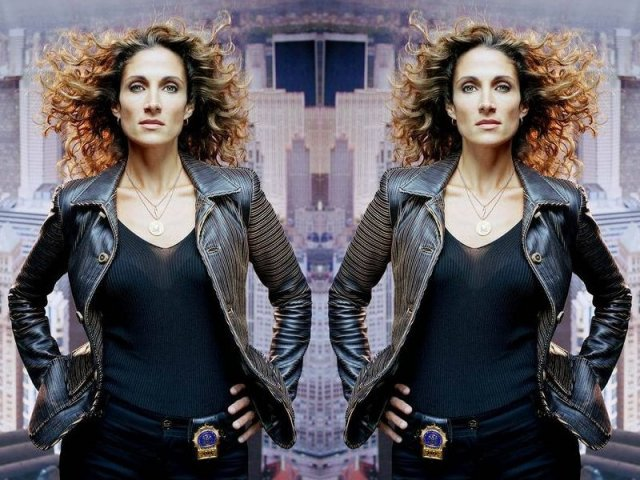 Melina  Kanakaredes - Melina Eleni Kanakaredes Constantinides (Greek: Μελίνα Ελένη Κανακαρίδου Κωνσταντινiδου; born April 23, 1967) is a Daytime Emmy Award-nominated American actress. She is widely known for two starring roles on U.S. prime-time television drama series; playing Detective Stella Bonasera in CSI: NY and portraying Dr. Sydney Hansen in Providence.<br /> CBS confirmed in July 2010 that Kanakaredes would not be returning for the seventh season of CSI: NY. - , Celebrity, Melina, Eleni, Kanakaredes, Constantinides, Μελίνα, Ελένη, Κανακαρίδου, Κωνσταντινiδου, Daytime, Emmy, Award-nominated, American, actress - Play puzzles with Melina  Kanakaredes or send Melina  Kanakaredes puzzle ecards to your friends </td><td valign=