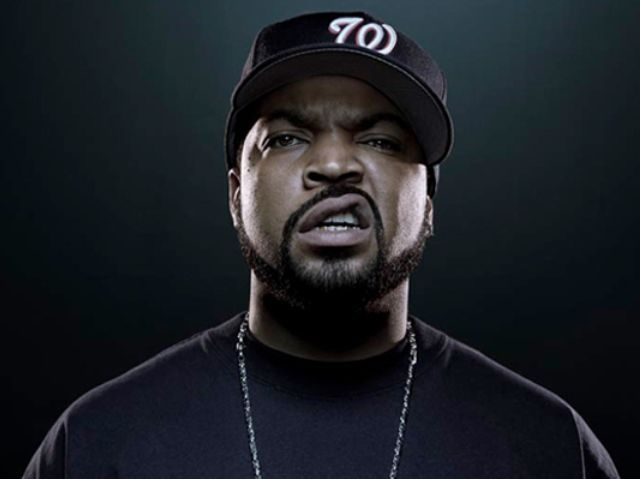 O'Shea Jackson -Ice Cube - O'Shea Jackson (born June 15, 1969), better known by his stage name Ice Cube, is an American rapper and actor. He began his career as a member of the hip-hop group C.I.A. and later joined the rap group N.W.A. After leaving N.W.A in December 1989,he built a successful solo career in music, and also as a writer, director, actor and producer in cinema. Additionally, he has served as one of the producers of the Showtime television series Barbershop and the TBS series Are We There Yet?, both of which are based upon films in which he portrayed the lead character. - , Celebrity, O'Shea, Jackson, Ice, Cube, American, rapper, actor - Play puzzles with O'Shea Jackson -Ice Cube or send O'Shea Jackson -Ice Cube puzzle ecards to your friends </td><td valign=