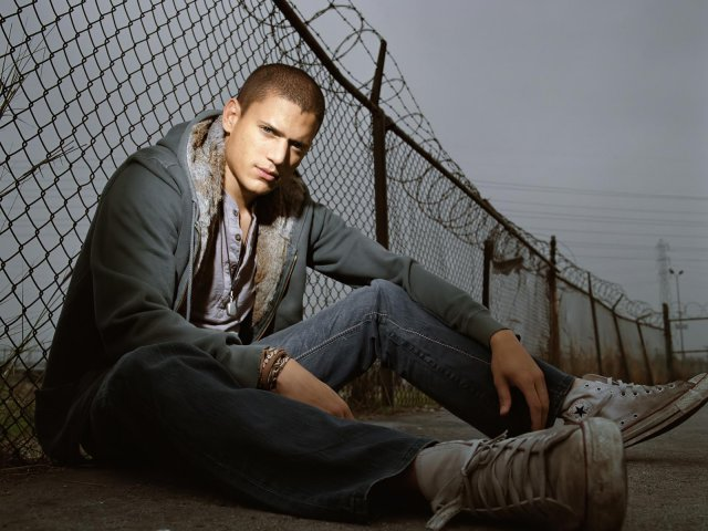 Wentworth  Miller - Wentworth  Miller - , Wentworth, Miller - Play puzzles with Wentworth  Miller or send Wentworth  Miller puzzle ecards to your friends </td><td valign=