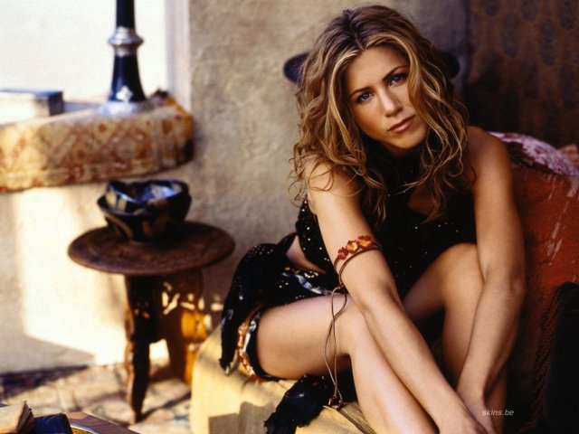 Jennifer Aniston  _ 2 - Jennifer Aniston  _ 2 - Friends - , Jennifer, Aniston, _, 2, -, Friends - Play puzzles with Jennifer Aniston  _ 2 or send Jennifer Aniston  _ 2 puzzle ecards to your friends </td><td valign=