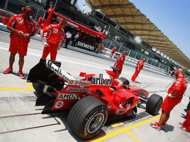 Ferrari F1 Cars 2010 - Ferrari F1 Cars 2010 - , Sport, Ferrari, F1, Cars, 2010 - Play puzzles with Ferrari F1 Cars 2010 or send Ferrari F1 Cars 2010 puzzle ecards to your friends </td><td valign=