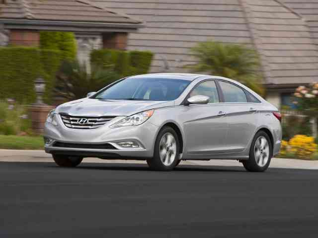 Hyundai Sonata 2011 - Hyundai Sonata 2011 will be presented at the New York Auto Show in April - , Hyundai, Sonata, 2011, New, York, Auto, Show, car, cars, auto, autos - Play puzzles with Hyundai Sonata 2011 or send Hyundai Sonata 2011 puzzle ecards to your friends </td><td valign=
