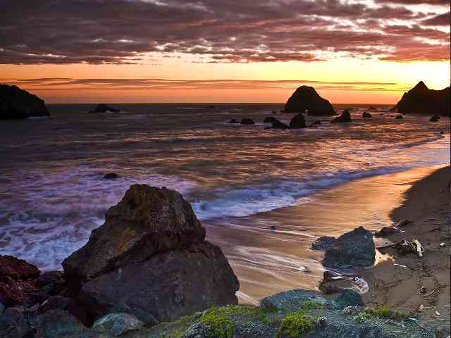 Sonoma Coast -  California - A beautiful sunset at Sonoma Coast - California, USA - , sunset, Sonoma, Coast, California, USA, nature, places, travel - Play puzzles with Sonoma Coast -  California or send Sonoma Coast -  California puzzle ecards to your friends </td><td valign=