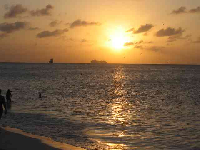Sunset in Aruba - Sunset in Aruba - , Sunset, Aruba, nature - Play puzzles with Sunset in Aruba or send Sunset in Aruba puzzle ecards to your friends </td><td valign=