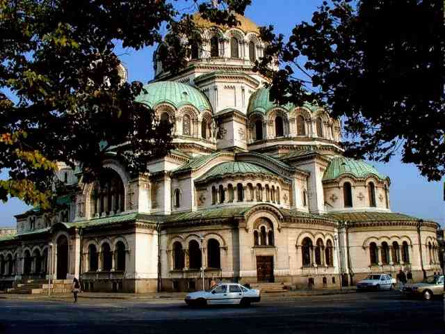 Alexander Nevski Cathedral - Alexander Nevski Cathedral in Sofia, Bulgaria - , Alexander, Nevski, Cathedral, Sofia, Bulgaria - Play puzzles with Alexander Nevski Cathedral or send Alexander Nevski Cathedral puzzle ecards to your friends </td><td valign=