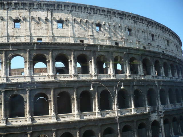 Colosseum in Rome - Colosseum in Rome - , Places, Colosseum, Rome - Play puzzles with Colosseum in Rome or send Colosseum in Rome puzzle ecards to your friends </td><td valign=