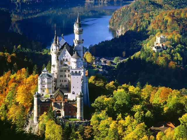 Neuschwanstein Castle in Bavaria, Germany - Neuschwanstein Castle in Bavaria, Germany - , Neuschwanstein, Castle, in, Bavaria, Germany - Play puzzles with Neuschwanstein Castle in Bavaria, Germany or send Neuschwanstein Castle in Bavaria, Germany puzzle ecards to your friends </td><td valign=
