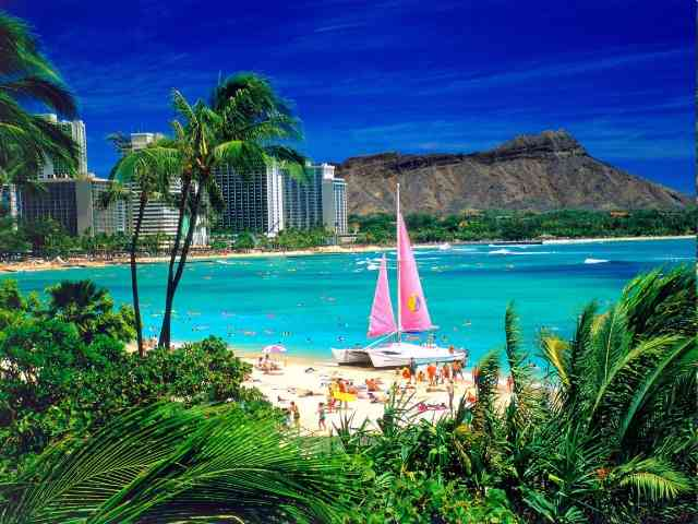 Waikiki in Hawai - Waikiki in Hawai - , Waikiki, Hawai, places, travel - Play puzzles with Waikiki in Hawai or send Waikiki in Hawai puzzle ecards to your friends </td><td valign=