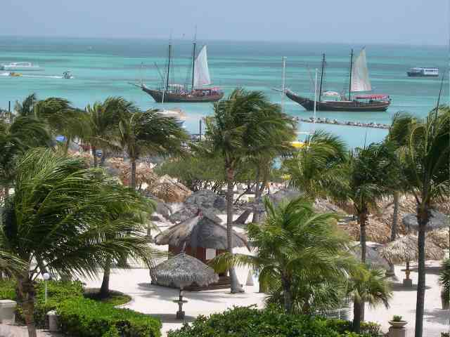 Aruba - Aruba beach from Aruba Marriott Resort - , Aruba, beach, Marriott, Resort, travel, places - Play puzzles with Aruba or send Aruba puzzle ecards to your friends </td><td valign=